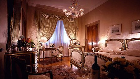 Luxury room in a hotel in Italy