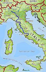 Italy map and a line showing this itinerary